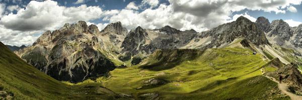Rozhled od kopce El Collac směrem k Val di Contrin a jižní stěně Marmolady. Červenec 2005.